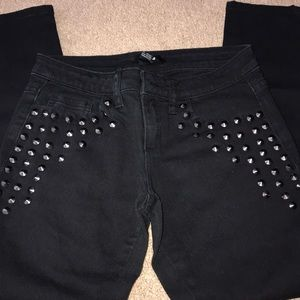 FOREVER 21 STUDDED ANKLE JEANS WORN TWICE.